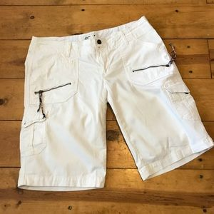 American Eagle Outfitters long white shorts size 6